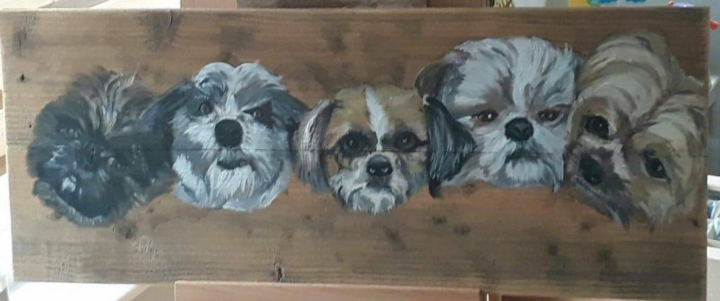 Honden; hondjes; 5 koppen; honden geschilderd; houten schilderij; acrylverf; jmillustraties; jeroen middelkamp; buitenschilderij;